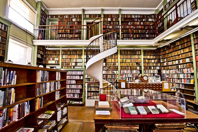 The_Leeds_Library_interior_2
